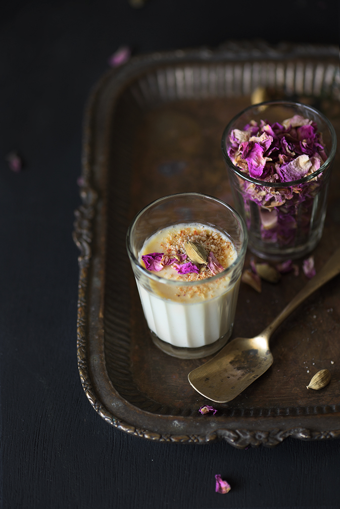 ndai Panacotta is perfect marriage of Indian and Italian flavours. Thandai is a quintessential drink during holi using Thandai Masala.