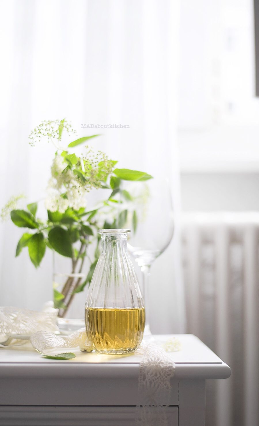 Make Homemade Elder Flower Syrup and serve this aromatic, delicate , delicious syrup with sparkling water, add to wine, top it on yogurt or fruits. Just the name Elderflower has a very exotic feel to it, don't you think? Something very royal, something very fairy tale ish.