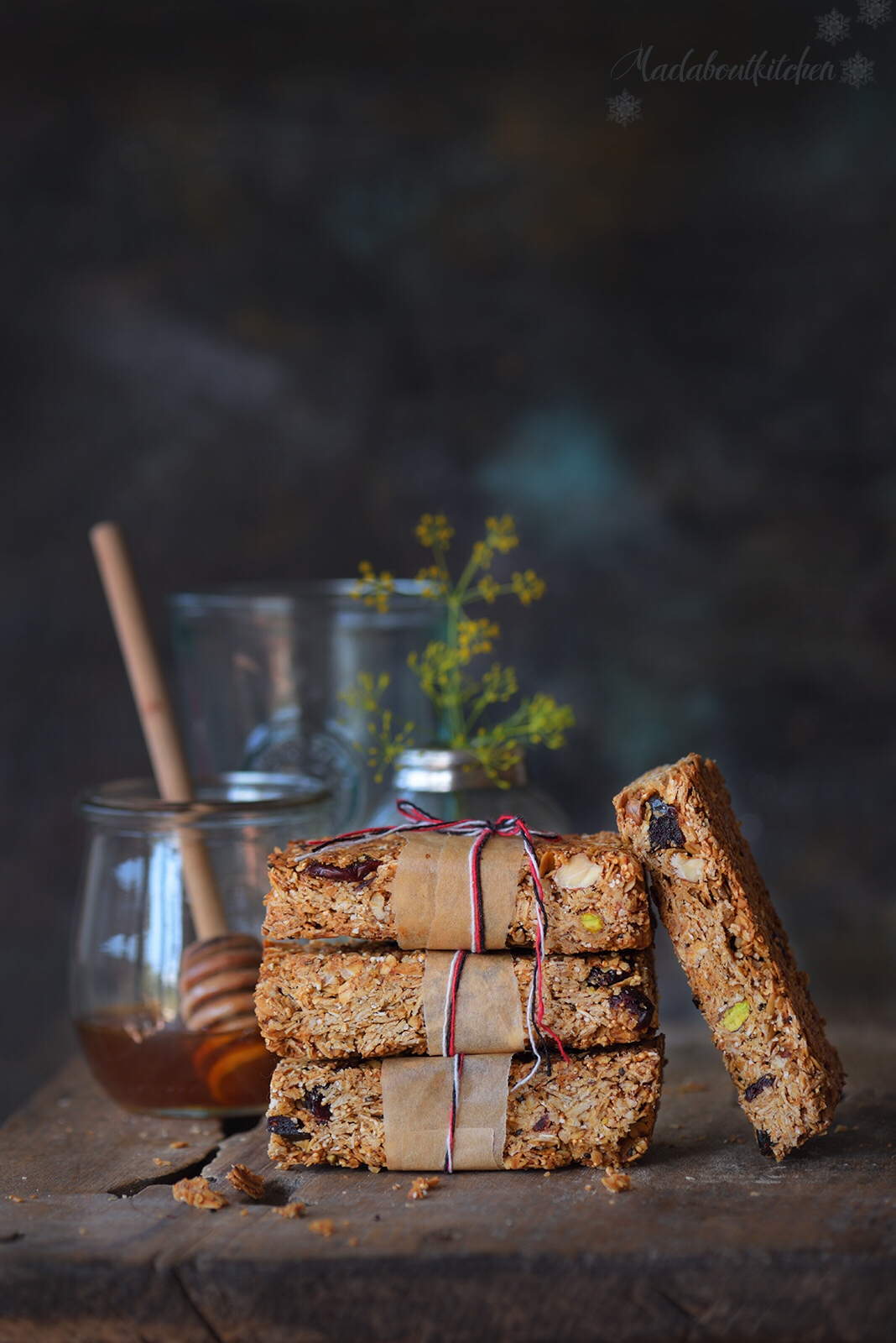 Make Homemade Granola bars with this simple, easy, foolproof recipe. Granola Bars are one of the healthy snacks you can have during the day. The perfect energy bars you can have before and after your workout.