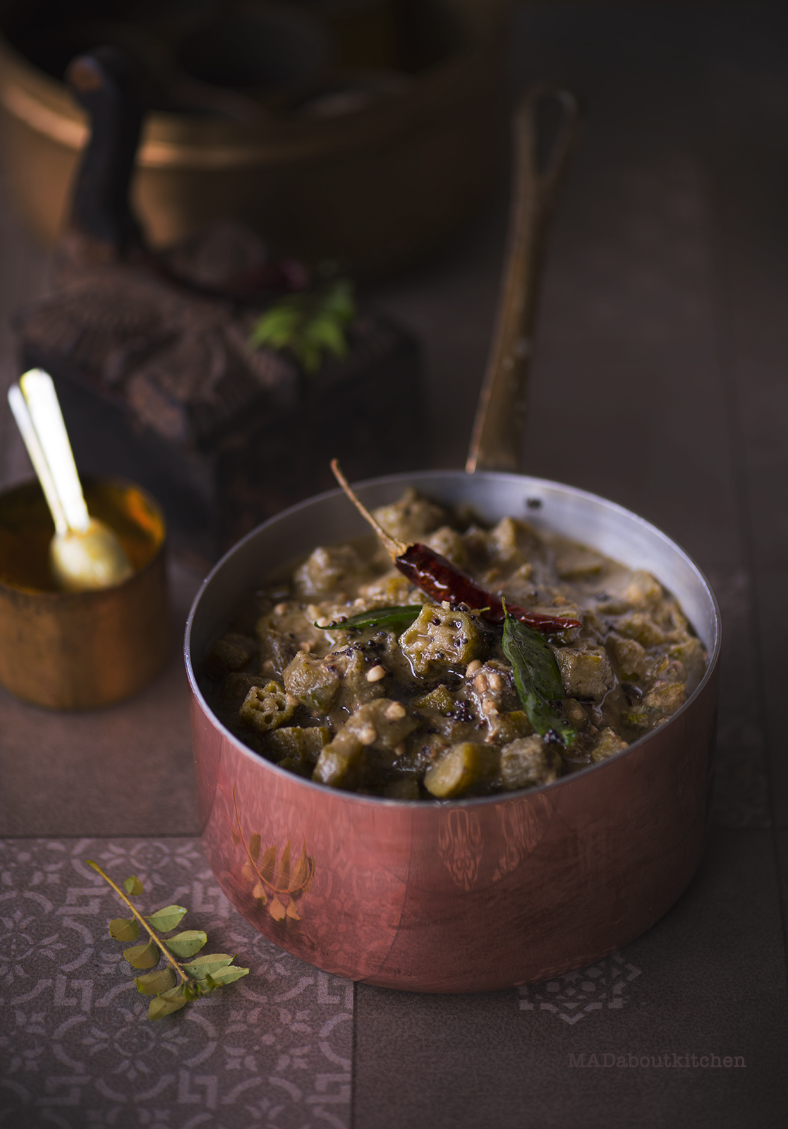 Bendekaayi Gojju, is this tangy , spicy, sweet coconut based curry which takes absolutely yum with roti or with steaming hot rice with a dollop of ghee.