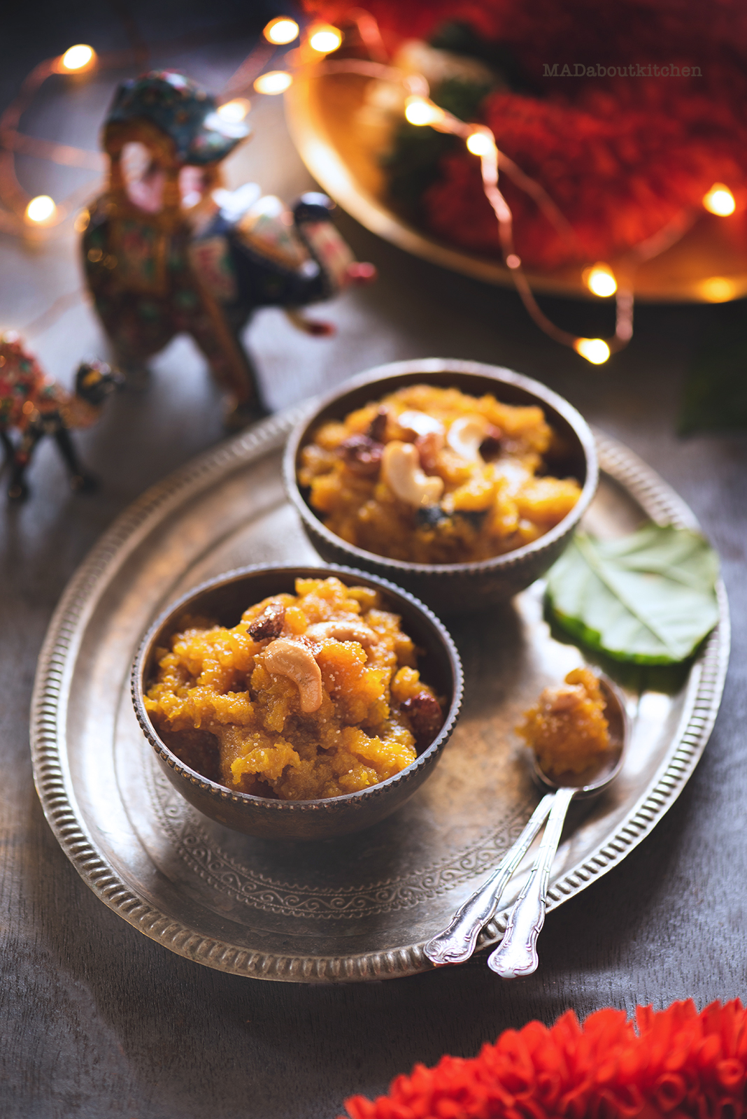 Sweet Pumpkin Halwa, is an Indian dessert which is rich with mild flavours. Sweet Pumpkin Halwa is a nice twist to the Gajar ka Halwa or Damrot ( Ash Gourd Halwa).