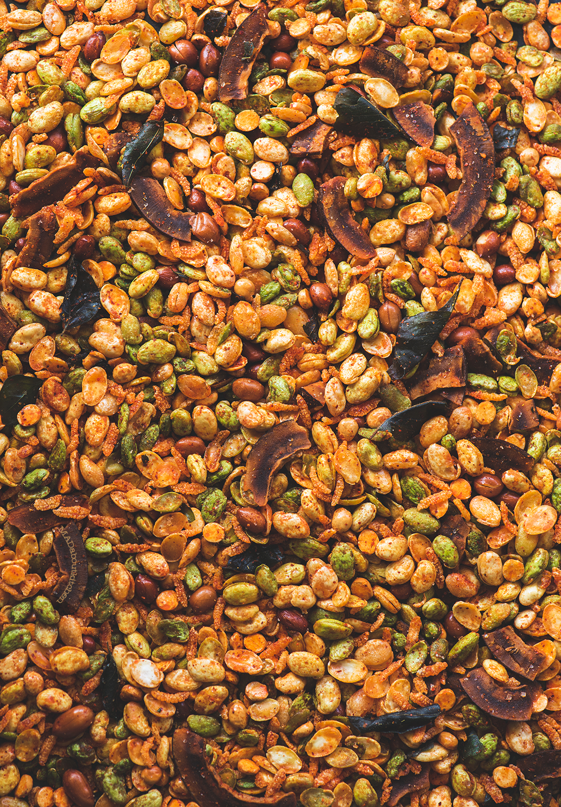 Avarekaalu mixture is one of the most addictive, loved deep fried, tea time snack from Karnataka. It is a crispy, spicy snack with a hint of sweetness.