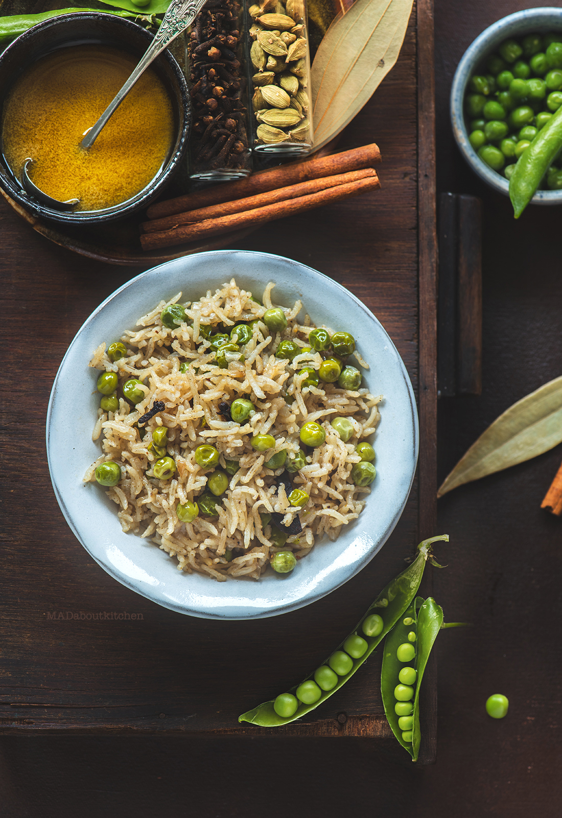 Matarwaale Chawal or Peas pulav is a basic, simple, comforting, basic rice dish that is not only one pot but is ready in 20mins start to end.