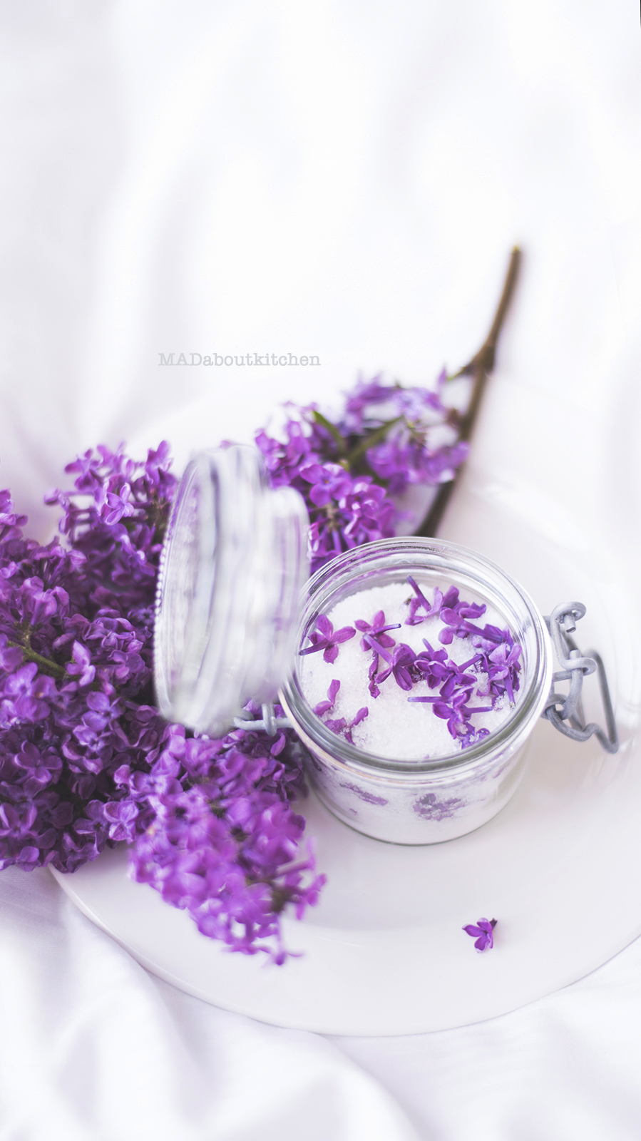 Lilac Sugar, Homemade Infused Sugar perfect for Baking and Tea. Lilac flowers are not only beautiful, but so so fragrant and so perfect for infusing.