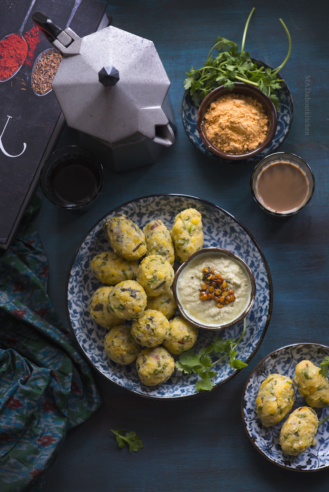 Nuchina Unde are Protein rich, steamed lentil balls. Nuchina Unde is perfect for early dinner or evening snack and is usually served with Coconut Chutney or Majjige Huli.