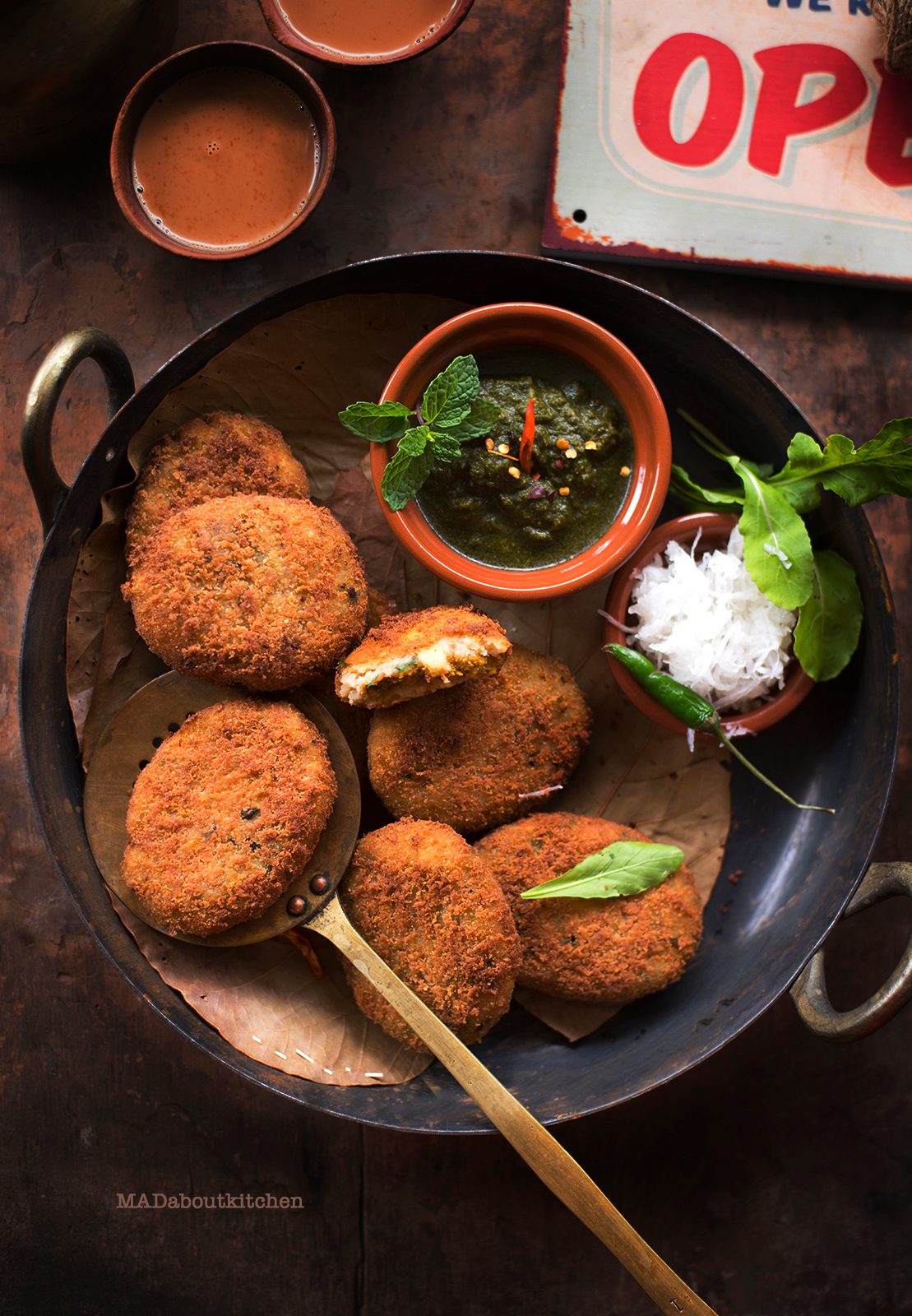 Chana Dal Tikki are cutlets stuffed with spicy lentil mixture which are perfect for this weather. These spicy patties are perfect teatime snack.