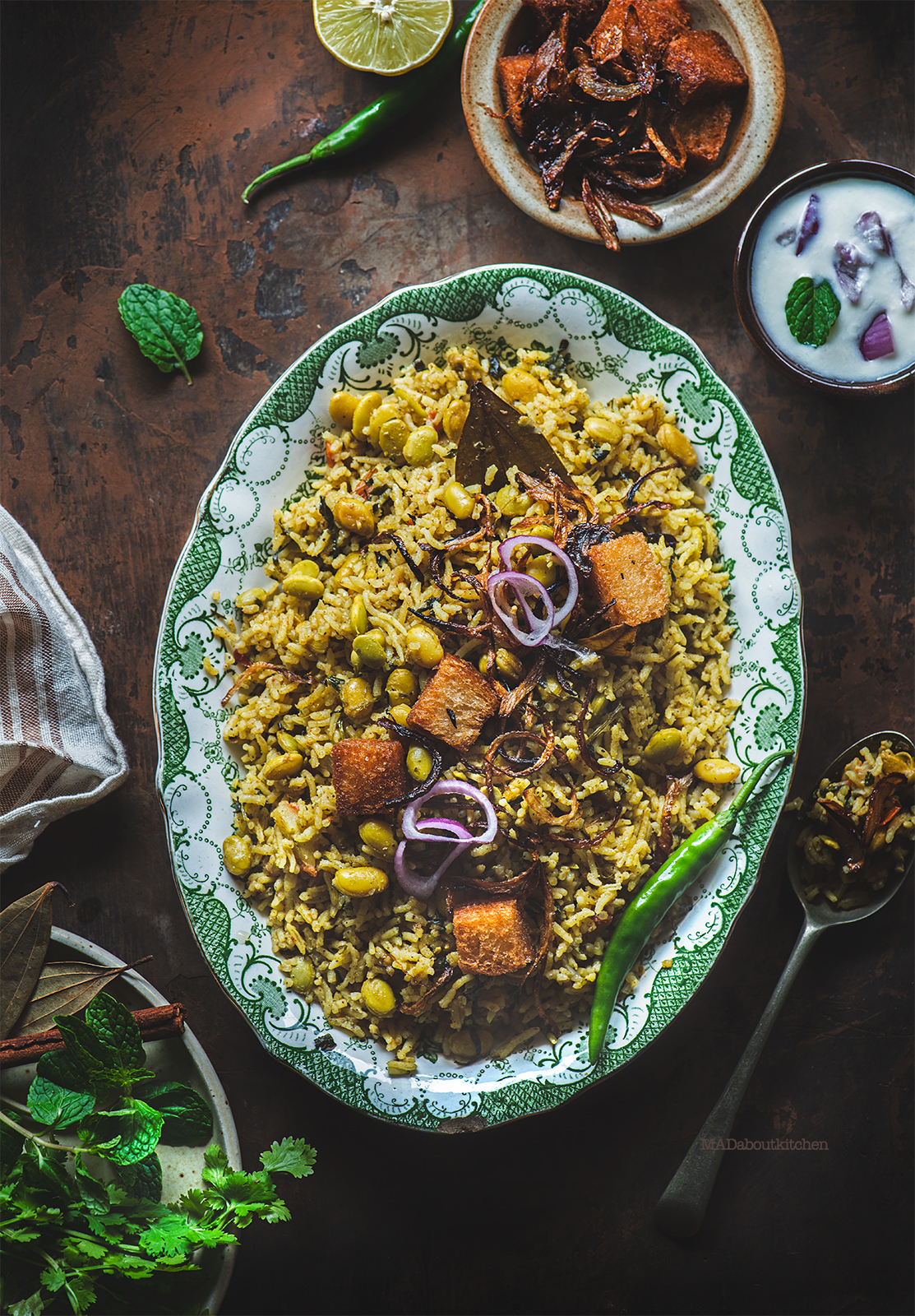 Menthya Soppu Avarekaalu Bhath is a spicy pulav with loads of flavours made using fenugreek leaves and flat beans.