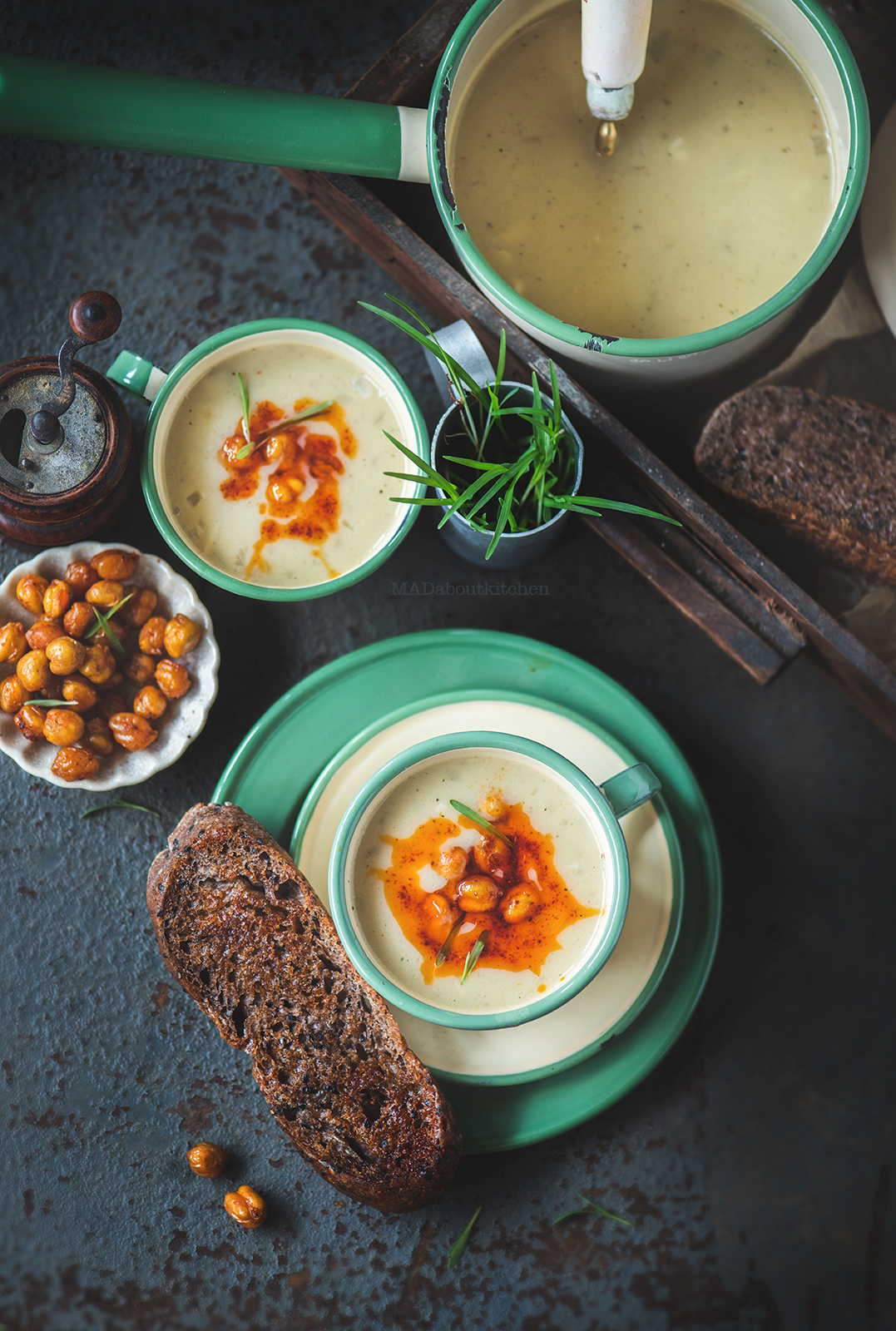 Chickpea soup, topped with roasted chickpea is flavoured with rosemary and garlic. It is creamy, thick, filling and simple to make.