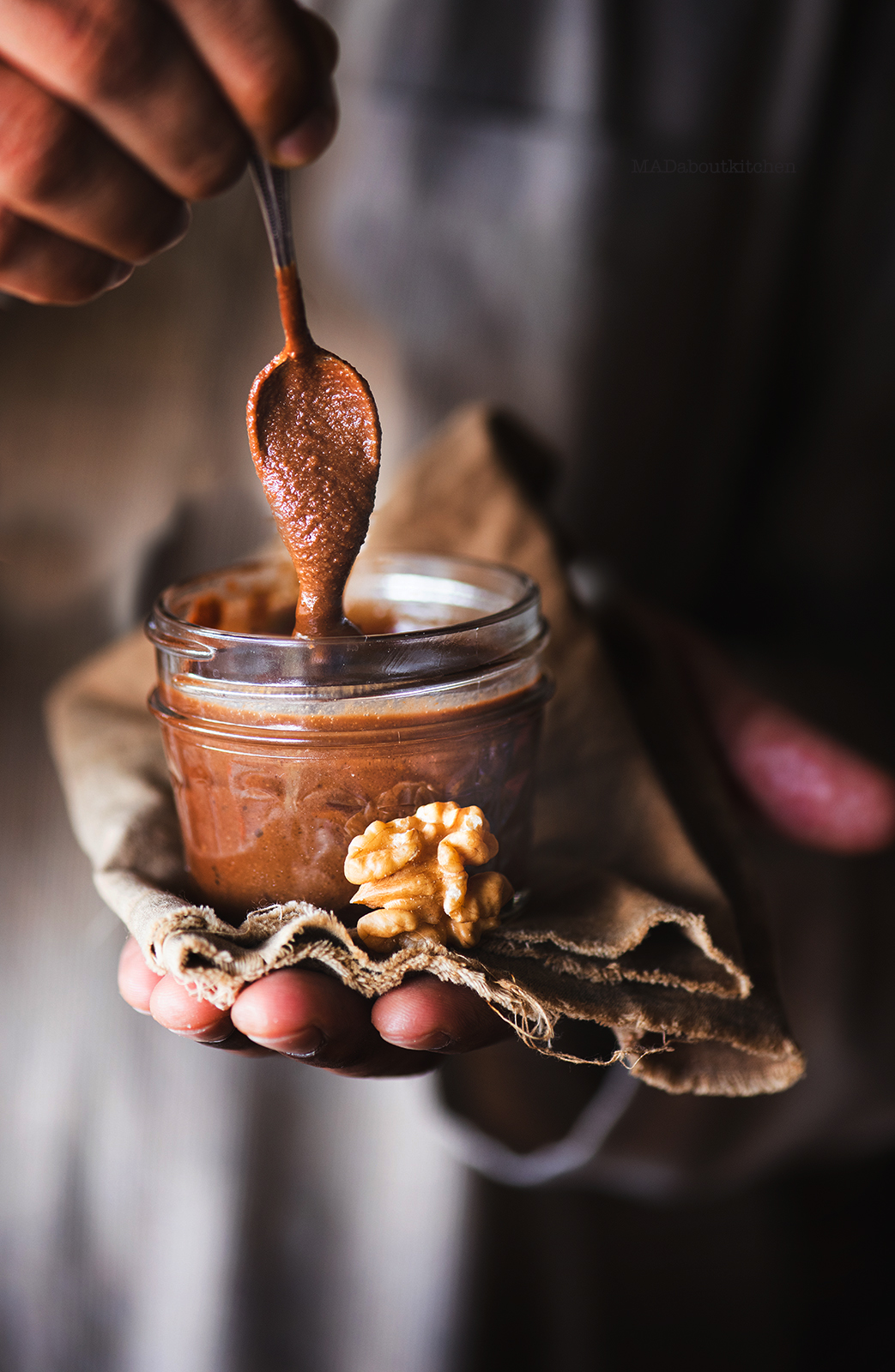 Walnut cocoa butter, is a grainy, chocolaty, homemade nut butter that is super healthy and super tasty and super easy to make.