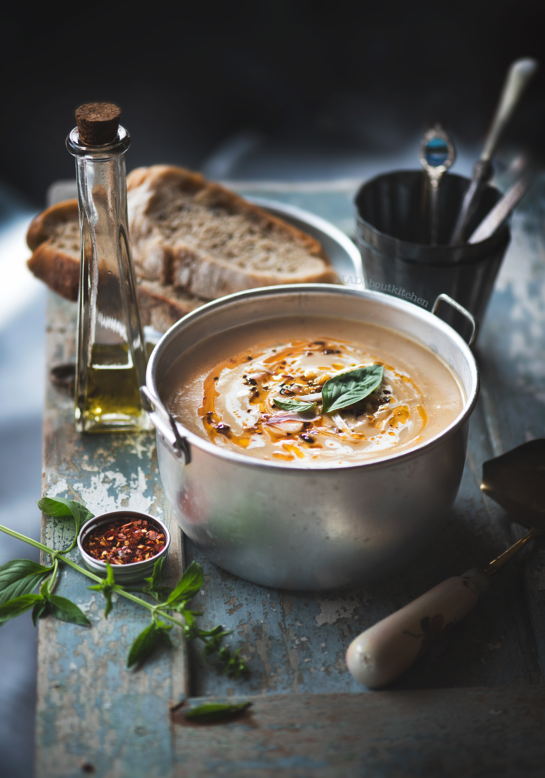 Sweet potato soup which is creamy, sweetish, spicy and is perfect when topped with fresh cream, chilly flakes and is had warm with a crusty bread.