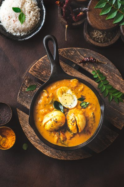 Motte Saaru is Egg curry prepared the SouthIndian style. Motte Saaru is a creamy , spicy egg curry with coconut based gravy.
